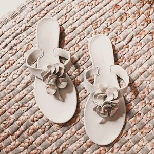 Nine West grey jelly holographic thing sandals